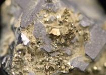 e CCN aide les laboratoires d'analyse minérale à avoir bonne mine sur le marché