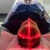 Patient entrant dans un appareil d'imagerie médicale